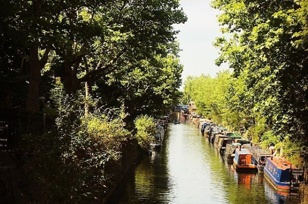 Haiku moments of creative presence: canal boats